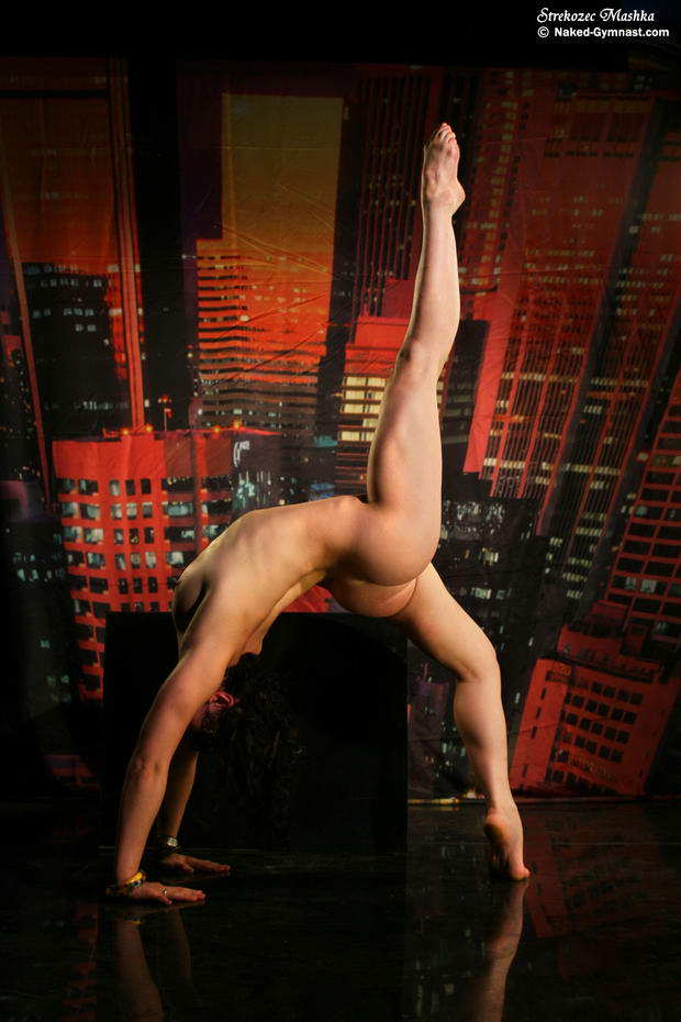 ballerina strip naked