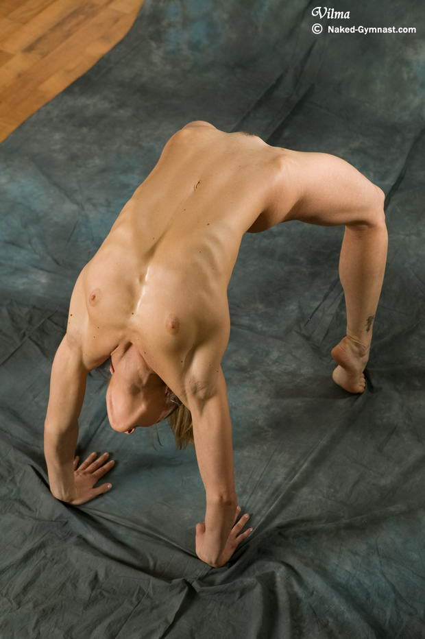 naked flexible females video